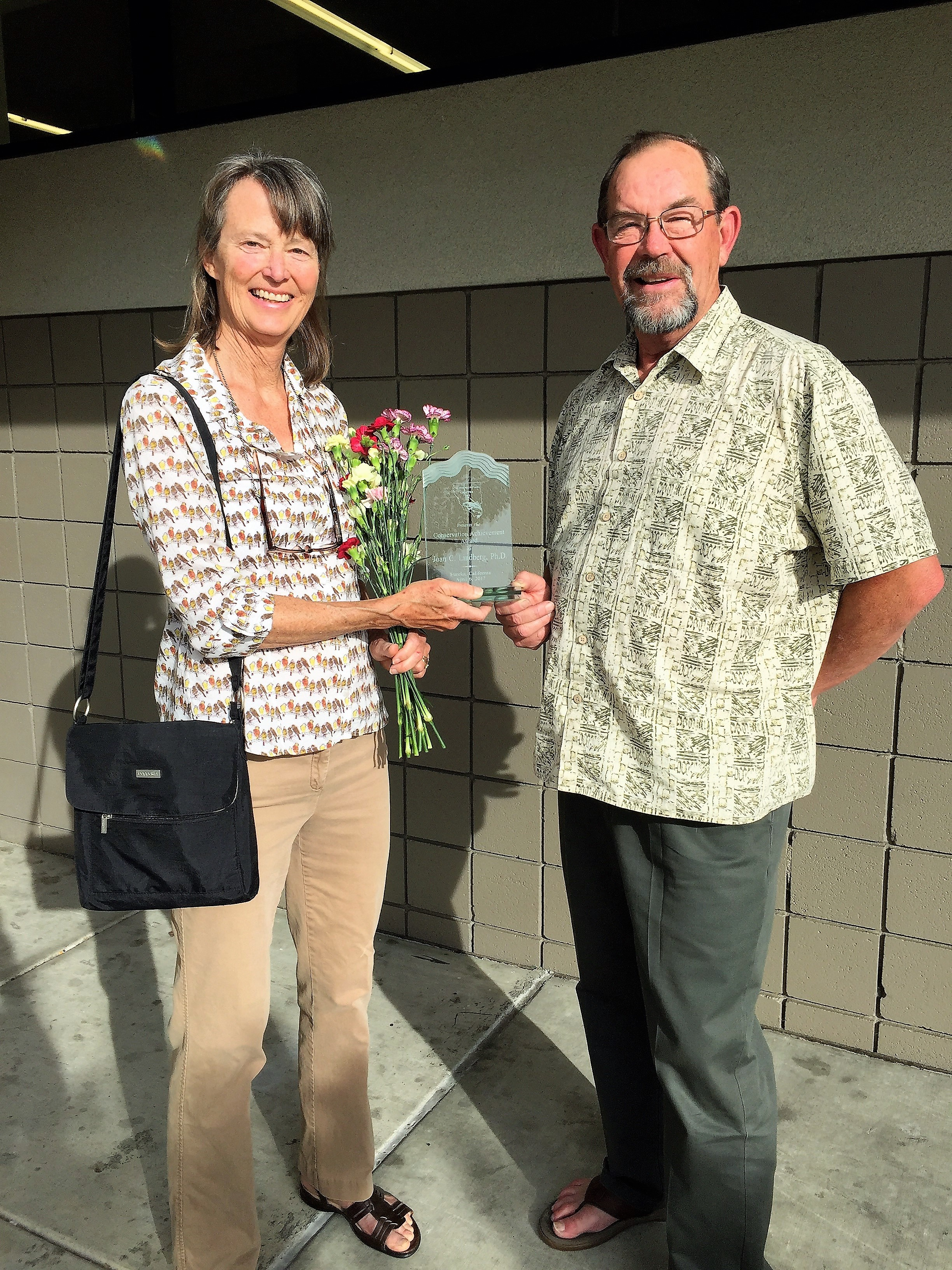 2017.05.25 Congratulations to our former director Dr. Lindberg, left, for winning the Conservation Achievement Award!